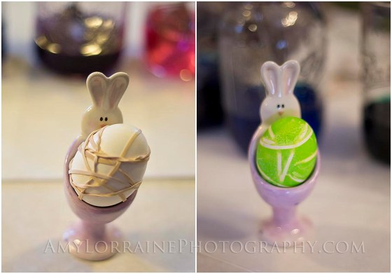 Use rubberbands for a cool affect when dying Easter eggs | AmyLorrainePhotography.com